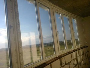 Остекление эркерного балкона и превращение в жилую зону —