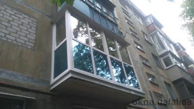Французский балкон с голубой тонировкой — АЛИАС