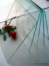 Стекло оконное листовое полированное, толщина 5 мм.