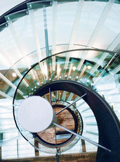 Система лестниц из стекла Swissstep