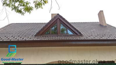 Треугольное ламинированное пластиковое окно с рабочими створками — Good Master