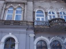 Решетки на окна, двери, балконы, ограждения, козырьки любой сложности и дизайна.