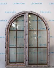 Арочное окно декорированное шпросами 1670 х 1290