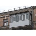 Балкон с крышей и обшивкой вагонкой