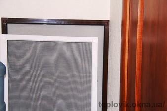 """Москітні сітки на пластикові вікна на Дарниці — СК """"Комфорт"""""""