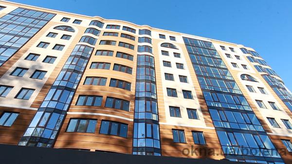 Закончено остекление жилого дома Lux-House в г. Ровно