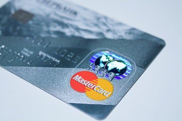 Банки начали выдавать «теплые кредиты»