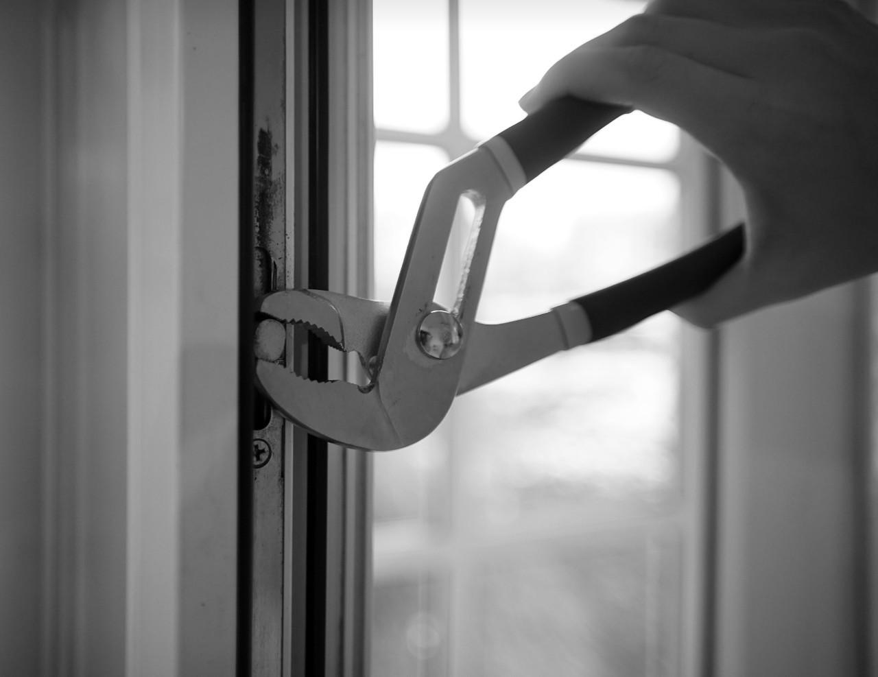 Кабмин «разрешил» продавать и установить окна, но это не точно (обновленная)