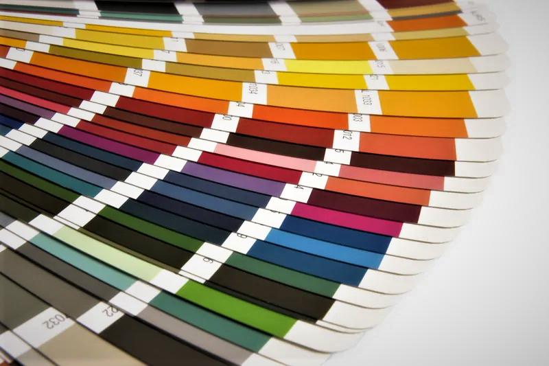 Больше возможностей: Roto представляет покрытия в более чем в 200 цветах RAL
