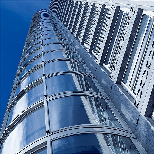 Завод STEKO начал предоставлять полный комплекс услуг по алюминиевым фасадам.