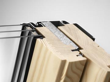 Компания VELUX представила новое доступное двухкамерное мансардное окно