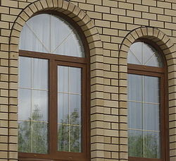 Окна арочные и сложных геометрических форм с высоким качеством монтажа