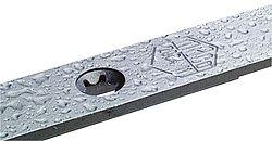 Уникальное покрытие фурнитуры воском, выбитый логотип на деталях.