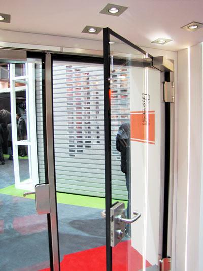 Противопожарная стеклянная дверь T30