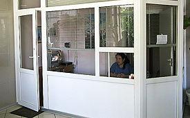 Двери металлопластиковые. Изготовление и монтаж