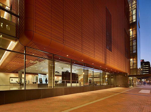 Вентилируемые керамические фасады Moeding (Моединг) – для тех, кто выбирает только самое лучшее.