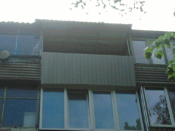 Обшивка балконов снаружи.