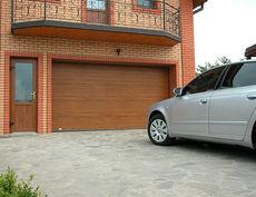 Автоматические гаражные секционные ворота.