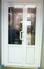 Входные двери металлопластиковые+доводчик для магазина, офиса от компании Good Master