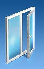 Надежное окно в квартиру с внутренней ламинацией, профиль WDS 400, фурнитура Maco, стеклопакет однокамерный
