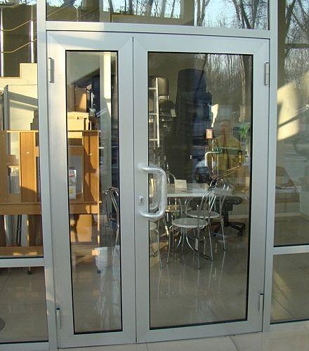 Алюминиевые двери, алюминиевые окна, витражи.