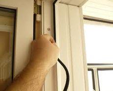 Замена уплотнителя окна пвх