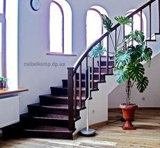 Деревянные ступени, перила, столбы, баляcины. Изготовление деревянных междуэтажных лестниц.
