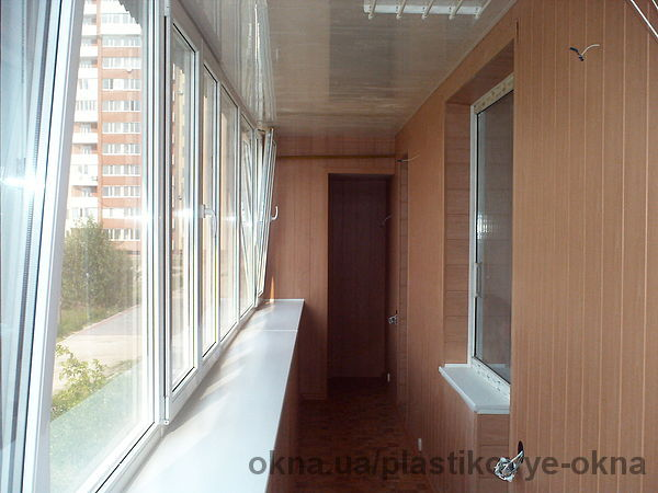 Остекление и обшивка балконов в Харькове