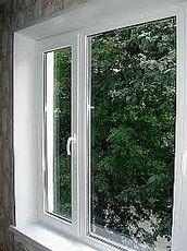 Теплое окно ПВХ Rehau с МАСО для квартиры 1,05х1,25 м с двухкамерным энергосберегающим стеклопакетом