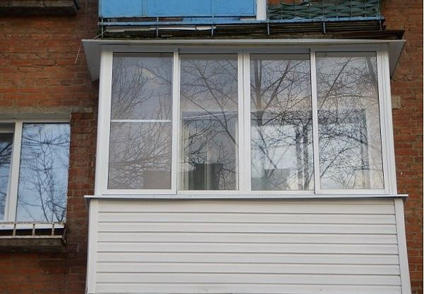 П-образный балкон с наружной обшивкой и внутренними отделочными работами под ключ (без выноса)