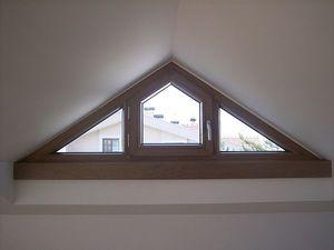 Треугольное окно — Зоря