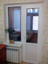 Балконный блок c поворотной дверью и глухим окном. — АліС-центр