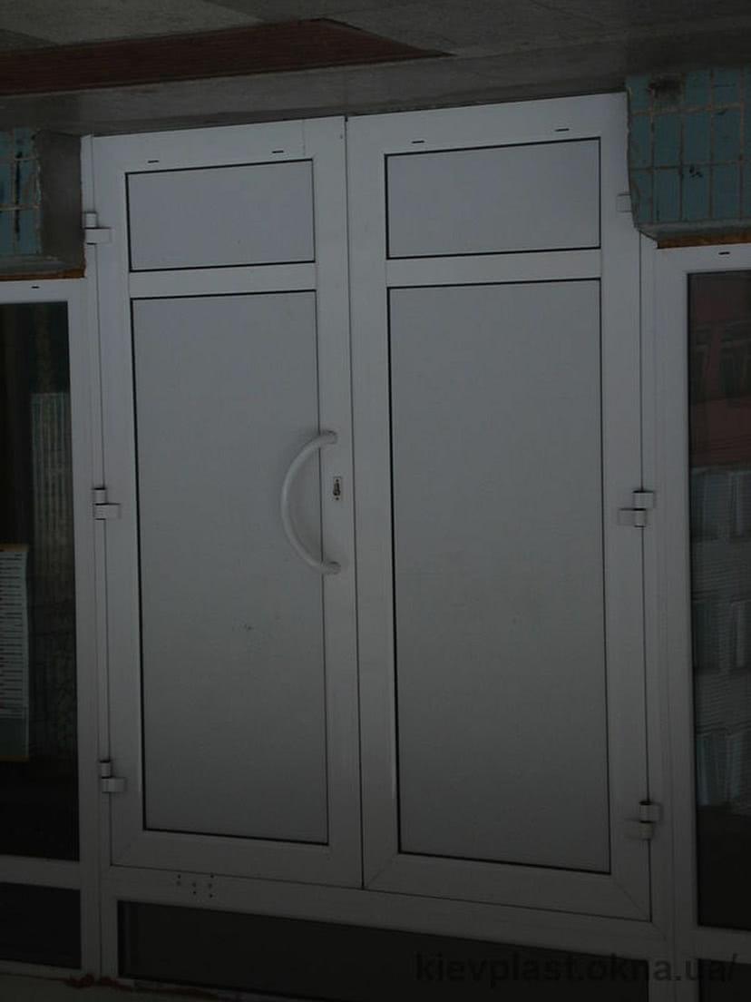 Входная дверь.