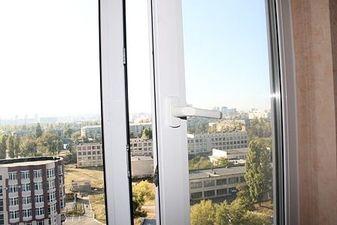 """Комплексный ремонт створки окна Киев — СК """"Комфорт"""""""