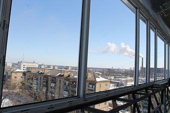 """Винос балкона по підвіконню Правий берег — СК """"Комфорт"""""""