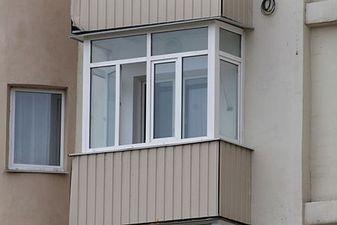 """Скління балкона в новобудові — СК """"Комфорт"""""""