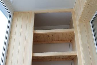 """Дерев'яні меблі на балкон — СК """"Комфорт"""""""