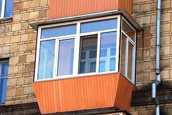 "Обшивка балкона снаружи пластиковыми панелями — СК ""Комфорт"""