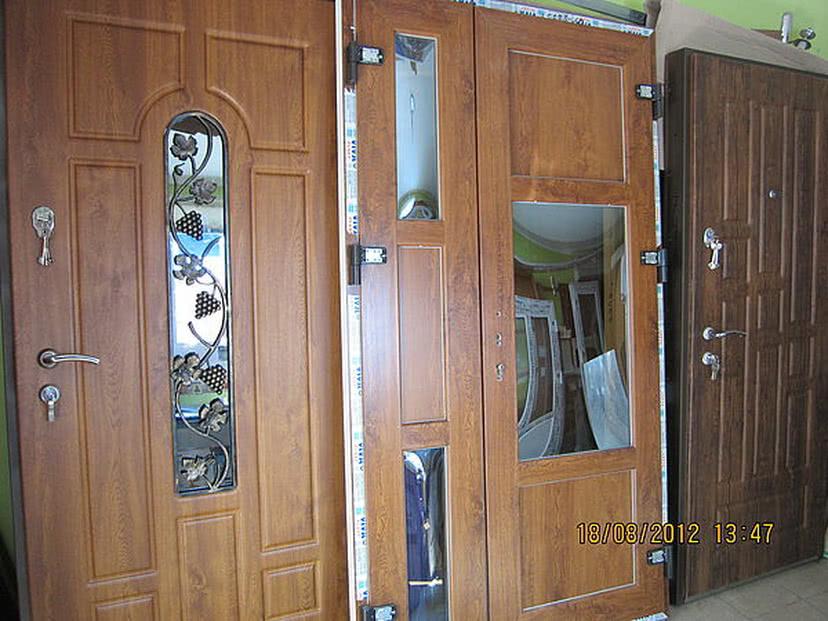 Автоматические шторы на двери