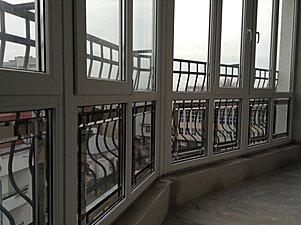 Інкрустація на балконі